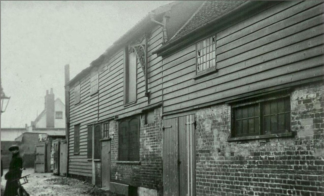 Georges Yard, Braintree